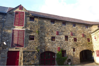 Old Mill Holiday Hostel  Co Mayo YHA : hostel exterior