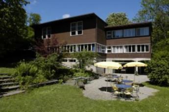 Fällanden Youth Hostel : hostel exterior