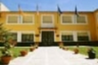 Albergue Juvenil Talavera : hostel exterior