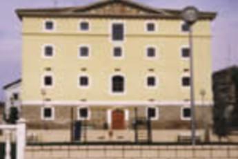 Albegrue Juvenil Río Alhama : hostel exterior