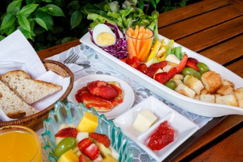 HI Baan Dinso : We have various kind of breakfast for your choices : Asian, Europe, Vegaetables, Vegetarian etc.
