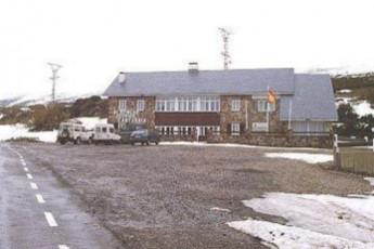 Albergue Estación de invierno alto campoo : hostel exterior