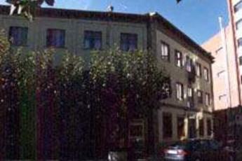 Albergue Residencia Juvenil Consejo de Europa : hostel exterior