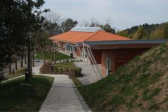 Albergue  Ulia : hostel exterior
