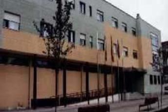 Albergue Infanta Doña Sancha : hostel exterior