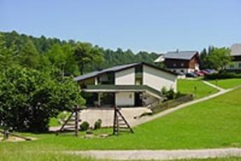 Lackenhof : hostel exterior