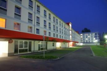 Veszprém - Hotel Magister : hostel exterior