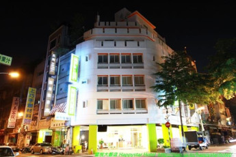 Taichung City- Happy Star Hotel International Youth Hostel : Taichung City- Happy Star Hotel International Youth Hostel exterior