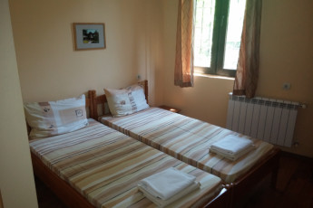 Hostels in bulgaria bulgaria hostels hostelling for Canape connection bulgaria
