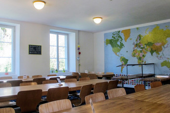 Zofingen Youth Hostel : Zofingen hostel in Switzerland dining with sofa