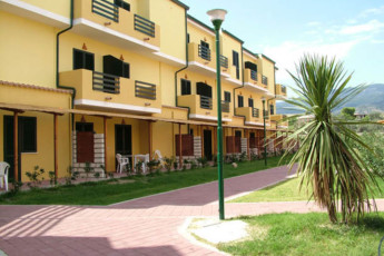 Villaggio Santandrea Youth Hostel :