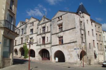 Fontenay-le-Comte : Fontenay-le-Comte hostel image