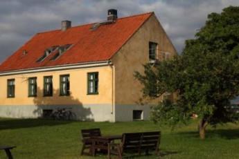 Ljugarn : hostel exterior