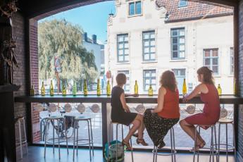 Gent Hostel De Draecke : vue sur rivière, gens de château Gravensteen hôtel