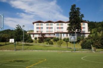 Albergue Juvenil Juan Sebastián Elkano (Hondarribia) : hostel exterior