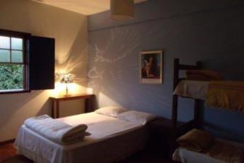 Brumas Hostel :