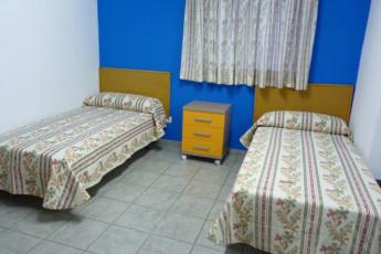 Albegrue Juvenil Sant Crist del Mar : Albegrue Juvenil Sant Crist del Mar twin bedded room