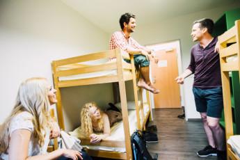 Augsburg : Augsburg hostel in Germany dining room