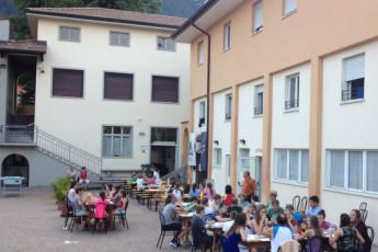 Riva del Garda - Benacus : Die Leute treffen Außerhalb von Riva del Garda - Benacus, Italien