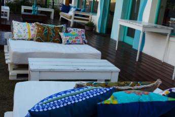 El Viajero Brava Beach Hostel : Gruppe von Personen Restaurants in El Viajero Brava Beach Hostel, Uruguay