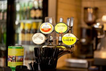 YHA Bristol : 018011 - Bristol Hostel - Beer