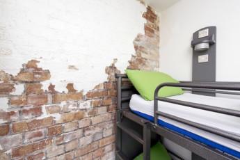 YHA Bristol : 018011 - Bristol Hostel - bunk beds image