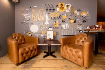 YHA Bristol : 018011 - Bristol Hostel - comfy seats