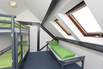 YHA Bristol : 018011 - Bristol Hostel - triple room image