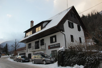 Youth Hostel Bovec : 092580 - Bocev Hostel, external entrance image 2