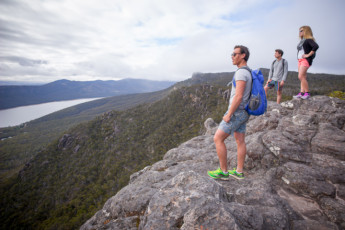 Halls Gap - Grampians Eco YHA : Go bushwalking in the Grampians