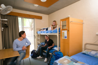 Halls Gap - Grampians Eco YHA : Grampians Eco YHA - Family Room
