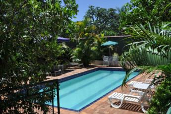 HI Hostel Iguassu Evelina : Hostel Iguassu Evelina Swimming Pool