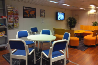 Turku - Laivahostel Borea : Common room card table