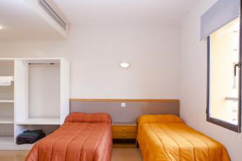 Torre de Alborache : Torre de Alborache hostel - twin room image