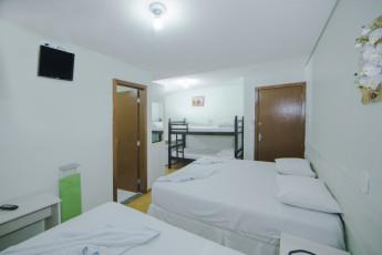 HI Hostel Suítes Caroline : X540703, HI Hostel Suítes Caroline, Double bed in Dorm room image