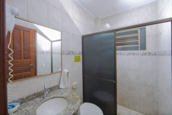 HI Hostel Iguassu Evelina : X540704 - HI Hostel Iguassu Evelina hostel - Bathroom image