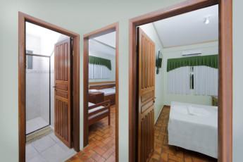 HI Hostel Iguassu Evelina : X540704 - HI Hostel Iguassu Evelina hostel - Multiple bed room image