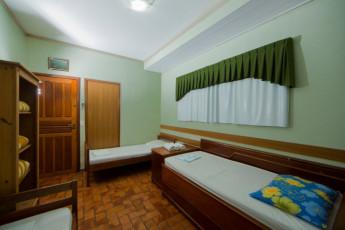 HI Hostel Iguassu Evelina : X540704 - HI Hostel Iguassu Evelina hostel - Triple room image