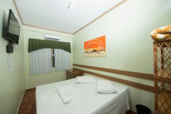 HI Hostel Iguassu Evelina : X540704 - HI Hostel Iguassu Evelina hostel - double room with TV image