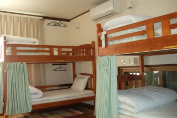 Hiroshima Saijo Youth Hostel : 2nd floor is all for guests