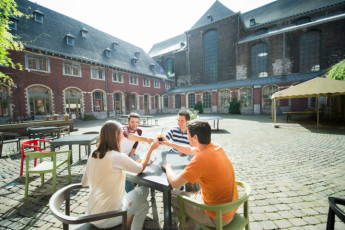 Liege Youth Hostel : Liège – Georges Simenon Youth Hostel, 007007, terrace image