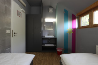Youth Hostel Celje : Quarto twin Privado em Celje - Youth Hostel KRAKOW