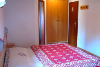 Youth Hostel Barovc : X403446, Hostel Barovc, double bed image