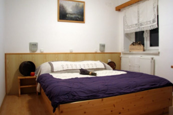 Youth Hostel Barovc : X403446, Hostel Barovc, second double bed image