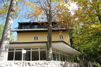Youth Hostel Barovc : X403446, Hostel Barovc, second external entrance view image