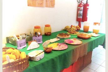 Tupiniquim Hostel : Our delicious breakfast is self-service from 8 to 10 am