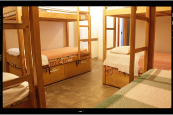 Tupiniquim Hostel : Our most spacious dorm: 8-people mixed ensuite room