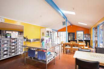 Port Macquarie YHA - Ozzie Pozzie Backpackers : Kitchen
