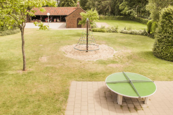 Maldegem - Die Loyale : Exterior View, Garden and Barbecue Area at Maldegem - Die Loyale Hostel, Belgium