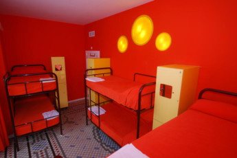 Valencia – Purple Nest Hostel : purple nest dorm room 2